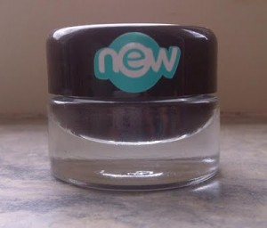 Essence Gel Eyeliner London Baby