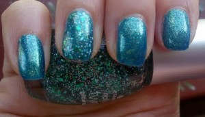 NOTD: Essence Choose Me! & Glittertopper Edward