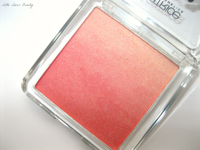 Catrice Revoltaire limited edition blush in Colourbomb