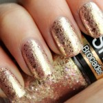 Maybelline Colorshow Brocades – 220 Knitted Gold
