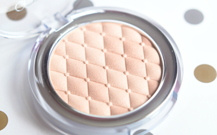 Catrice Highlighting Powder Champagne Campaign 3