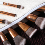 Boozy Cosmetics Rosé Golden Jewelry Brush Set