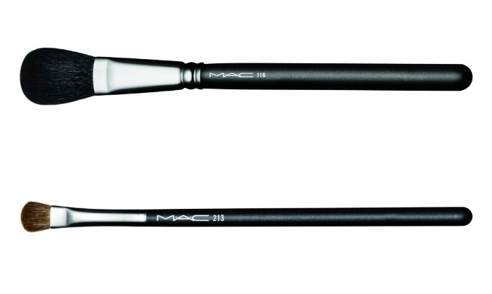 mac it's a strike brush