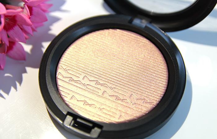 MAC Extra Dimension Skinfinish Beaming Blush 4
